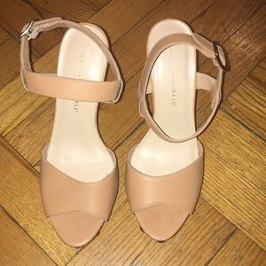 Loeffler Randall size 8 heels. Great condition